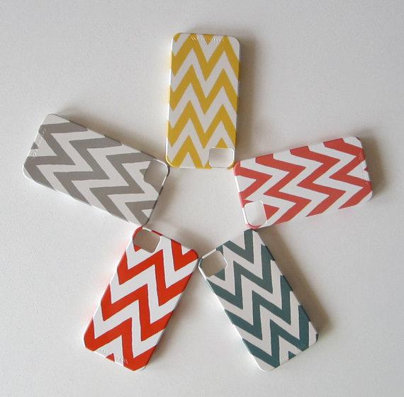 Chevron IPhone 4/4s case Choose your Color Pattern Geometric Arrows Modern Tribal pink orange blue gray